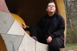 Elin Andersson, förbundsordförande Ung Pirat, och den som skrev blogginlägget